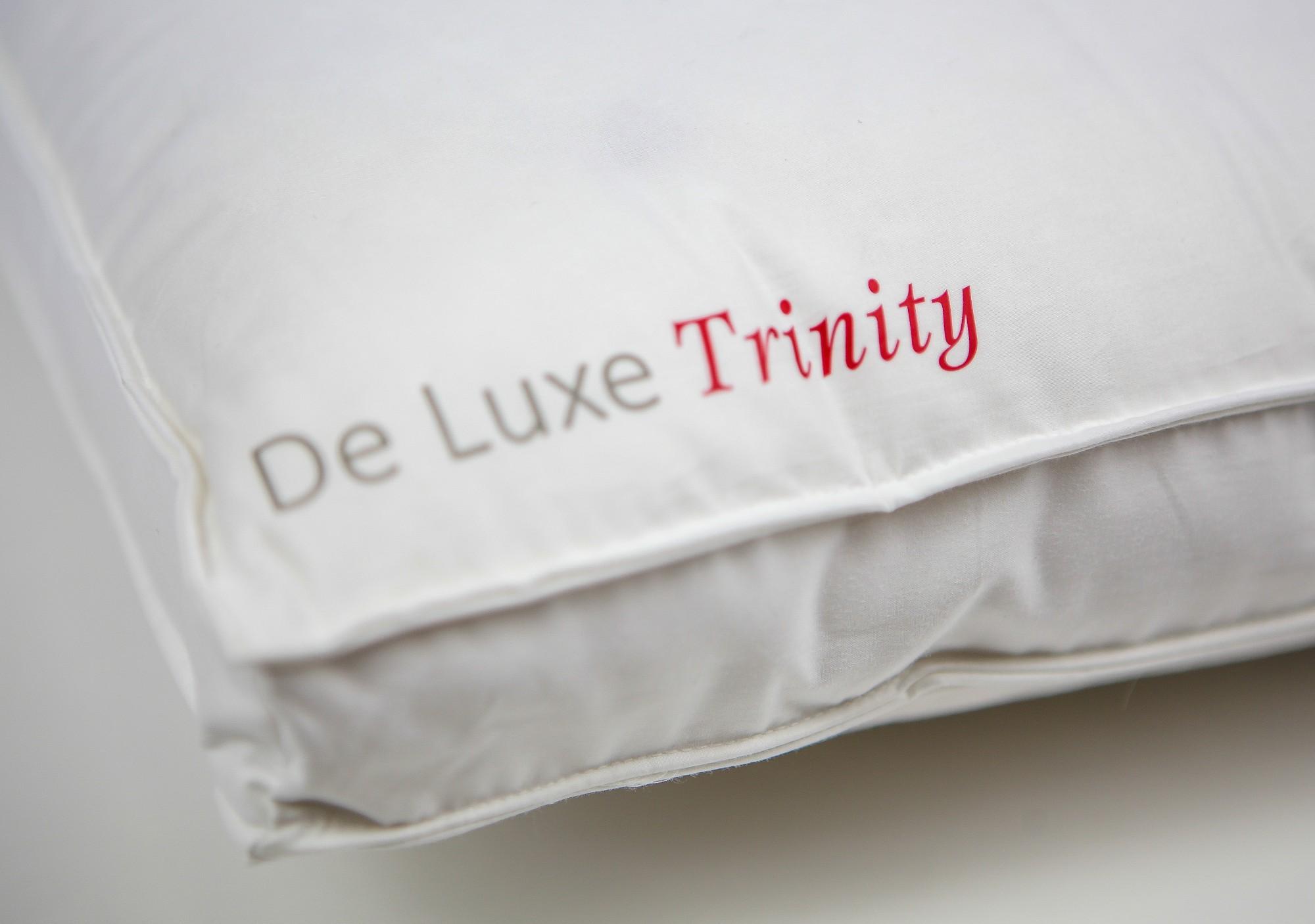 Подушка Kauffmann пухо-перовая 3-камерная  50х70 De Luxe-Trinity medium средняя