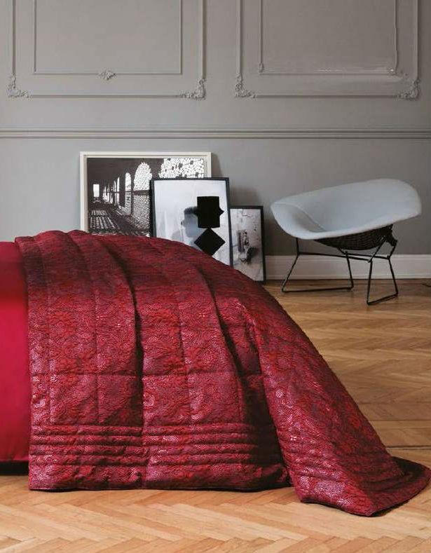 Покрывало 270x270 и 2 наволочки 50x50 La Perla Victoria цвет бордовый